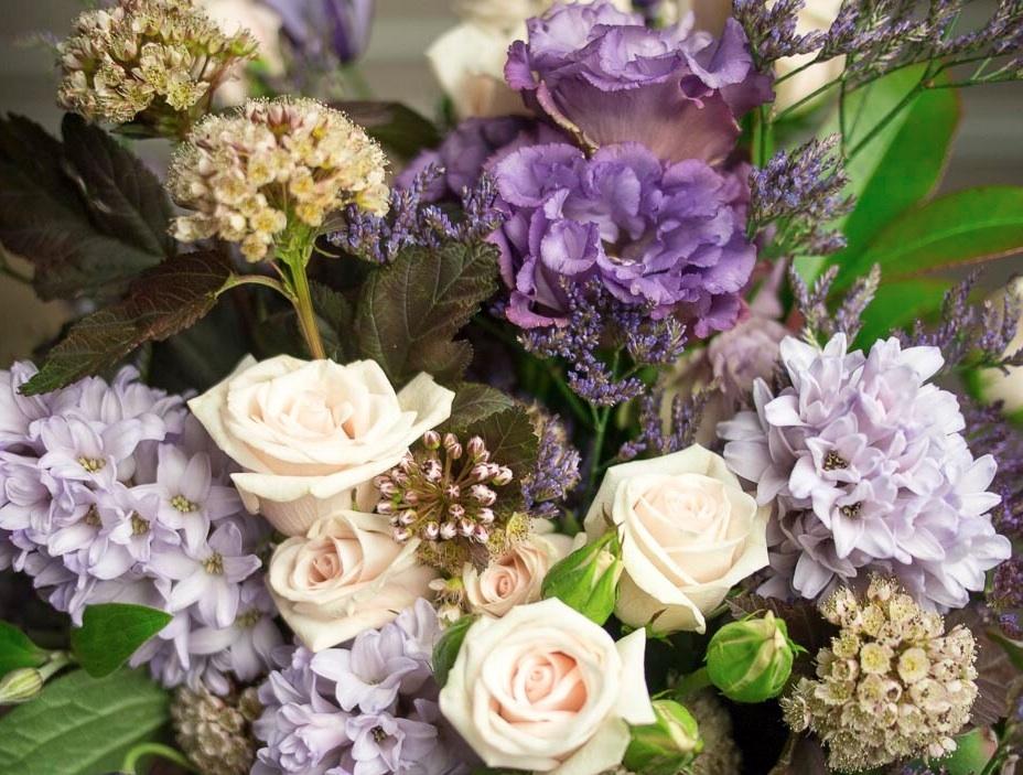 Flower Bouquet Subscription | 4 weeks $600 per week | Scissors & Twine